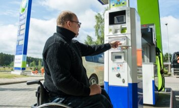 Neste Lietuva pritaikė degalines neįgaliesiems