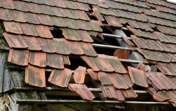 Kaip praktiškai panaudoti seną stogų dangą?