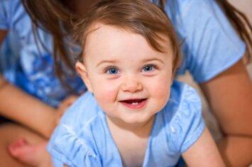 Kas labiausiai prajuokina kūdikius
