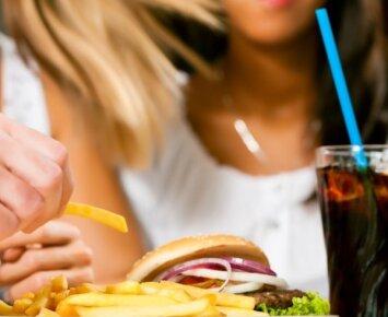 Maistas, kuris tik dar labiau sustiprina alkio jausmą
