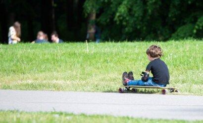 Pasivaikščiojimas parke su dukrele vyrui sukėlė siaubą: tik grįžęs namo suprato, kuo viskas galėjo baigtis