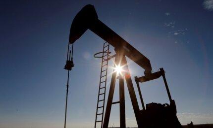 Atsinaujino naftos pigimas: kainos rieda 4% - Verslo žinios