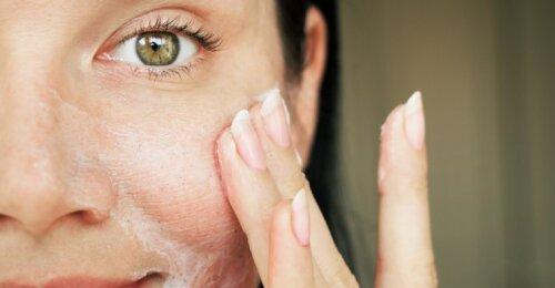 Kaip išvengti ankstyvo senėjimo ir prižiūrėti senstančią odą?