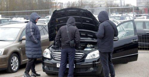 Įspėja automobilių perpardavinėtojus: taip, kaip buvo, nebebus