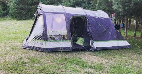 Kaip pasiruošti stovyklavimui, kad laikas gamtoje būtų malonus ir komfortiškas: nepamirškite šių daiktų