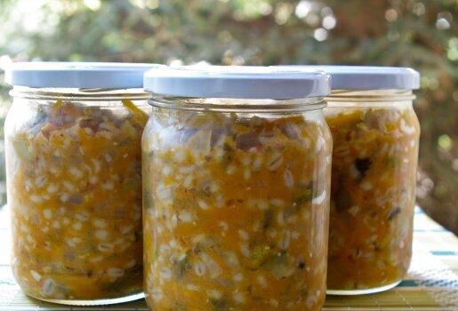 Konservai žiemai - perlinių kruopų sriuba su agurkais