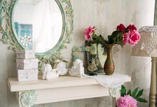 Fengšui specialistai teigia, kad veidrodžiai gali ne tik padėti įveikti tam tikras problemas, bet ir suteikti namams geros energijos.
