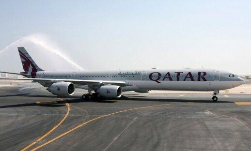 """""""Qatar Airways"""" orlaivis Dohos oro uoste"""