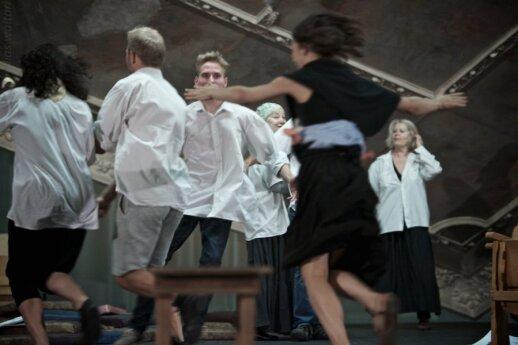 """Spektaklis """"Mūsų klasė"""" (M.Waltari nuotr.)"""