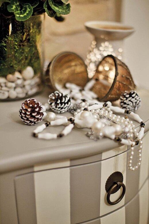 Tai, dėl ko namai per Kalėdas subtiliai spindės