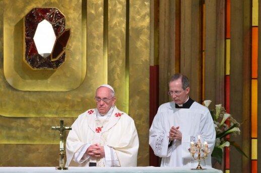 Popiežius Pranciškus šventė Didįjį ketvirtadienį