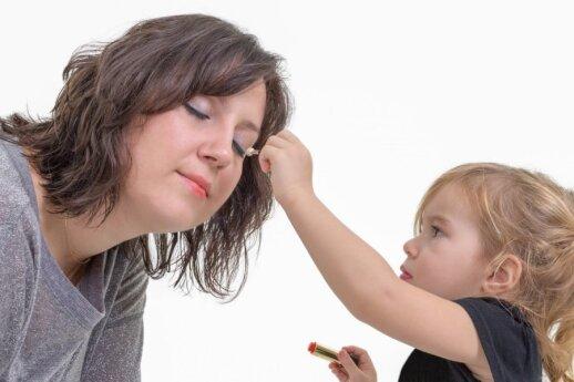 """Gimus vaikui moteriai neberūpi jos išvaizda? <sup style=""""color: #ff0000;"""">5 mamų patirtis</sup>"""