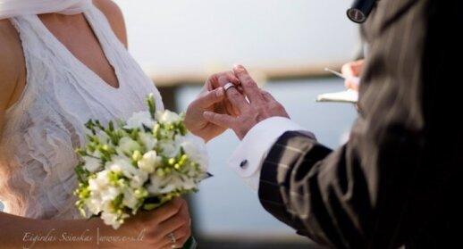 Viltės Kazlauskaitės sukurta vestuvinė suknelė. Šilkas ir vilna (vilte.net) Nuotaka - Jūratė Motiejūnaitė