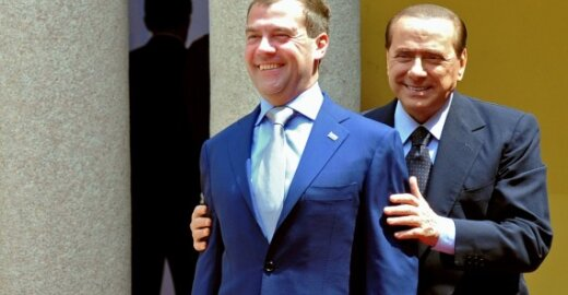 Dmitrijus Medvedevas ir Silvio Berlusconi