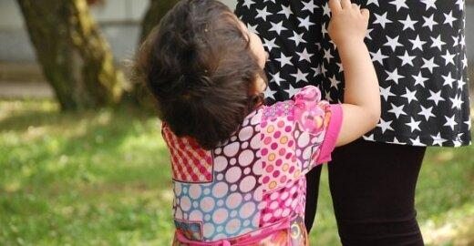 D.Britanija protestuoja prieš EP siūlymus ilginti motinystės atostogas