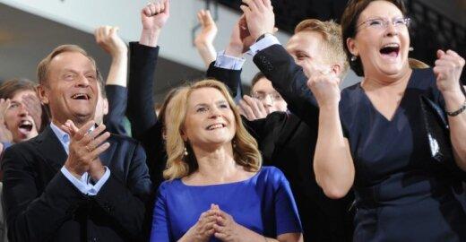 Lenkijoje pirmauja D. Tusko vadovaujama Piliečių platforma