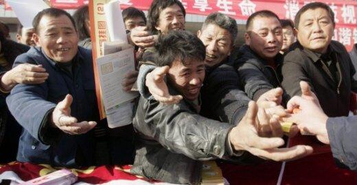 ES svarsto galimybę uždrausti Kinijos darbo stovyklose pagamintas prekes