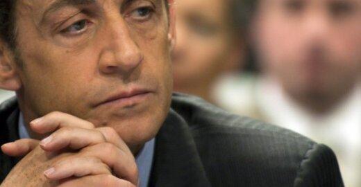 Pasipiktinę europarlamentarai ketina rekomenduoti pasmerkti N.Sarkozy