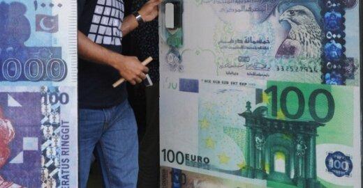 Teismas nusprendė, kad eurokratų atlyginimų kilimo pernai nebuvo galima stabdyti