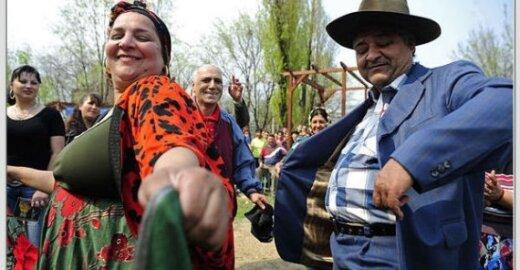 Kur nukeliauja ES paramos milijonai romams?