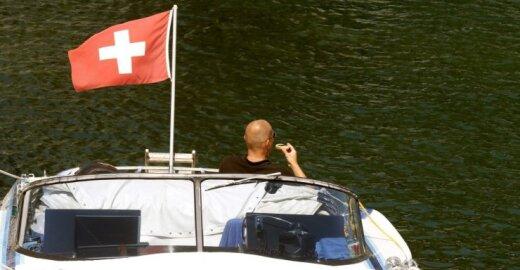 Šveicarija į juodąjį sąrašą įtraukė dar 13 rusų ir ukrainiečių