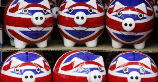Jungtinė Karalystė rado naują būdą, kaip nuskurdinti imigrantus