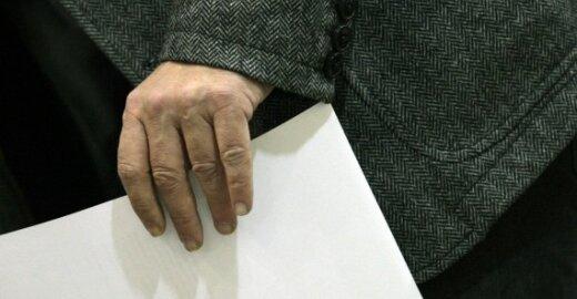 EP nepriėmė siūlymo dėl vieno leidimo užsieniečiams apsigyventi ir dirbti