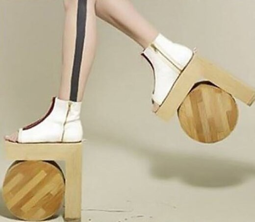 10 keisčiausių batų, kurių dizaineriai turbūt buvo smarkiai apsvargę, kai juos kūrė