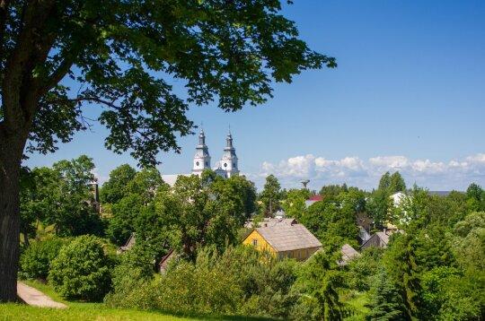 Lietuvos miestelis, kurio žemaičiai neleido pavadinti Naująja Jeruzale: kasmet čia suplūsta tūkstančiai lietuvių