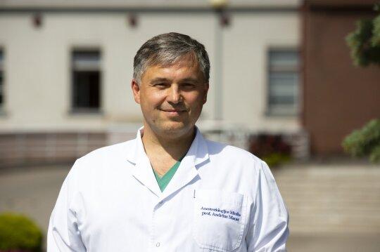 Profesorius Andrius Macas