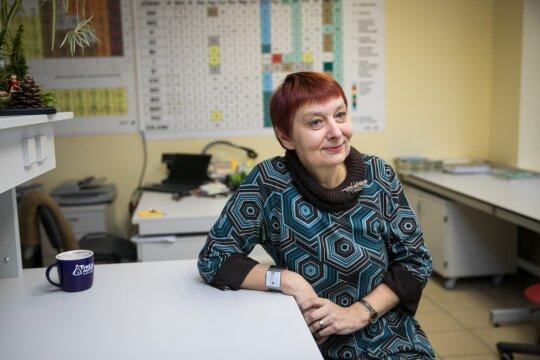 Rajono mokykloje dirbanti mokytoja atvira: ne vienas mokinys savo vietą mato užsienio braškių lysvėje