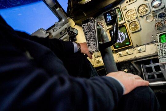Kritinės situacijos lėktuve: kaip tokiais atvejais elgiasi įgula?