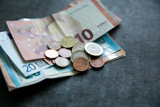 Ketveri metai su euru: ar Lietuvai vertėjo keisti valiutą?