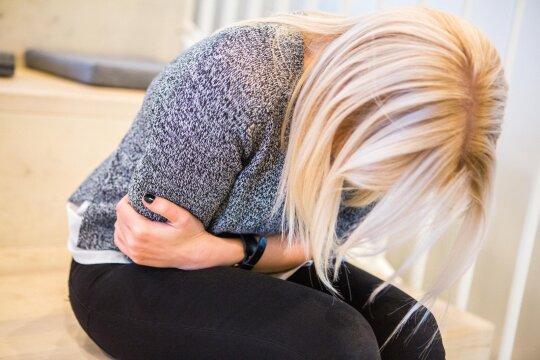 Vaikui skauda pilvą: gydytoja įvardijo dažniausias priežastis ir pirmąją pagalbą
