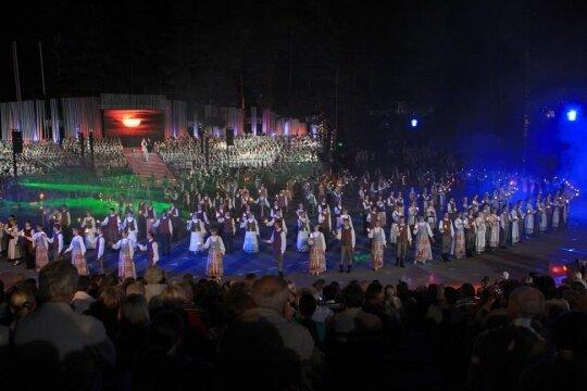 Kalnų parke – protėvių giesmės, karo šokiai ir banguojantys rugių laukai