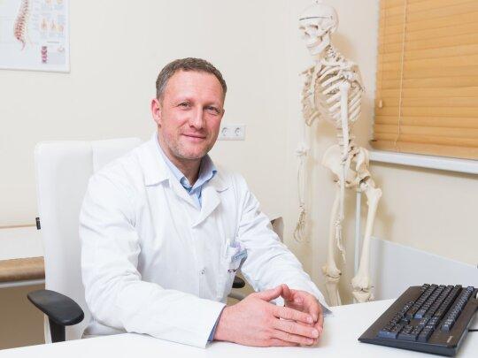 """Ortopedas traumatologas Marius Šakalinis (""""Northway"""" nuotr.)"""