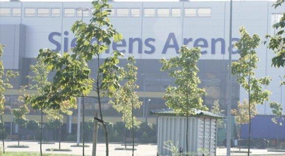 """Apie 1000 klevų prie """"Siemens"""" arenos - sužaloti įtvirtinimų"""