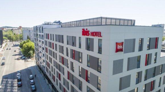 """Vilniuje pastatytas """"ibis"""" viešbutis"""