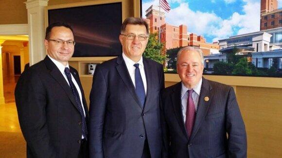 Ambassador Pavilionis, PM Butkevičius and US House Representative Mike Doyle. Photo URM
