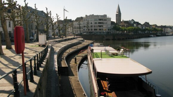 Gento miestas, kaip ir visa Flandrija, taiko nuraminto eismo zonas greta vandens, prioritetu čia laikydamas urbanistinę rekreaciją. // A. Karaliaus nuotr.