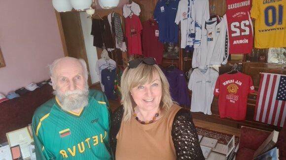 Alfonsas Jakimavičius su dukra Vaiva Mickuviene, kuri įkūrė bendruomenę VĖŽYS – NE SLOGA, padedančią nepalūžti susirgus