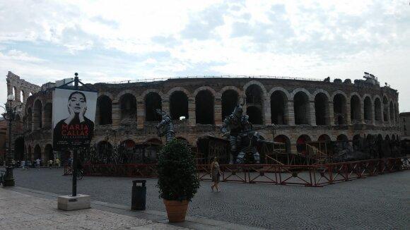 """Veronos arena, operos """"Trubadūras"""" dekoracijos"""