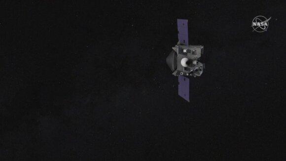 """Į Žemę grįžta kosminis zondas """"Osiris-Rex"""": NASA pargabena ypatingą krovinį iš asteroido"""