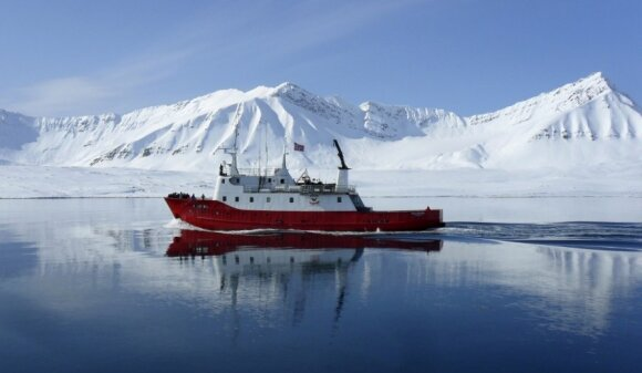Laivas Longyearbyeno krantų, Svalbardas (Norvegija)