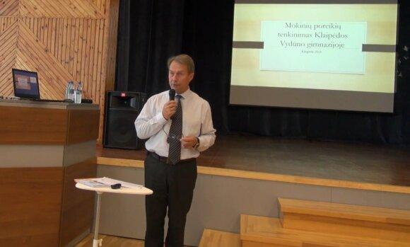 Klaipėdoje mokytoja šiurpino mokinius: vietoje pamokos – sovietinės nostalgijos purslai ir maldos Putinui