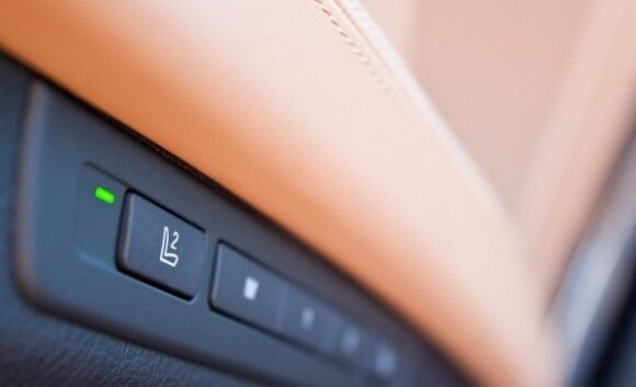"BMW 750i – ""Džentelmeno funkcija"""