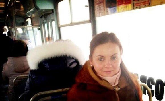 Жена Игоря Николаева показала себя в троллейбусе без косметики
