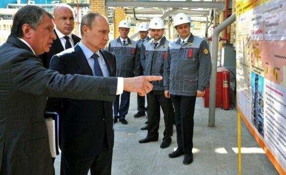 """""""Rosneft"""" vadovas Igoris Sečinas ir Vladimiras Putinas"""