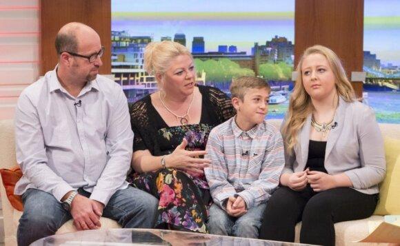 Šeima, kurioje tėvai vaikams gyvybes dovanojo du kartus