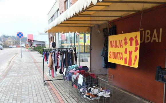 Dėvėtų drabužių pardavėjas pastebi pasikeitusį pirkėjų požiūrį